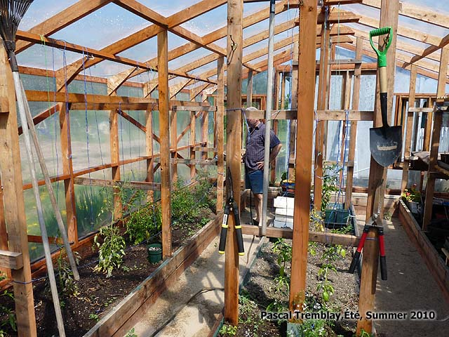 Watering in the Greenhouse - Potting bench with sink and Grow Boxes - Greenhouse watering system