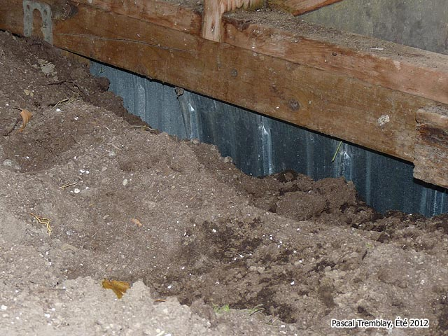 Insulating Base of the Greenhouse - Building GreenhouseTips and Hints - Greenhouses Pictures