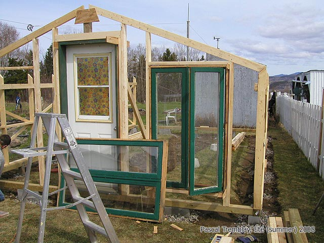 Do It Yourself Home Design: Building Greenhouse Homesteading Guides